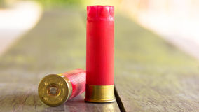 Κόκκινα περιβλήματα κοχυλιών κυνηγετικών όπλων Στοκ φωτογραφία με δικαίωμα ελεύθερης χρήσης