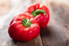 Κόκκινα πιπέρια κουδουνιών ή γλυκά πιπέρια Στοκ Φωτογραφίες