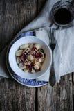 Κόκκινα ραδίκι και gnocchi φουντουκιών Στοκ φωτογραφίες με δικαίωμα ελεύθερης χρήσης