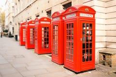 Κόκκινα τηλεφωνικά κιβώτια Λονδίνο Στοκ εικόνα με δικαίωμα ελεύθερης χρήσης