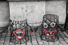Κόκκινα χαμόγελα στην οδό στοκ φωτογραφία με δικαίωμα ελεύθερης χρήσης
