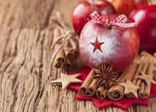Κόκκινα χειμερινά μήλα Στοκ Φωτογραφία