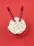 Κόκκινα muffin κεριά Στοκ φωτογραφίες με δικαίωμα ελεύθερης χρήσης