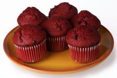 Κόκκινα Muffins βελούδου Στοκ Φωτογραφίες