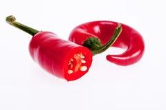 Κόκκινα peperoni πιπέρια που απομονώνονται στο άσπρο υπόβαθρο Στοκ εικόνα με δικαίωμα ελεύθερης χρήσης