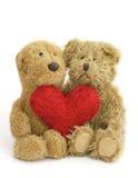 κόκκινα teddies δύο καρδιών Στοκ Εικόνα