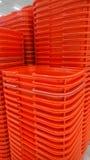 κόκκινες αγορές καλαθι στοκ φωτογραφία με δικαίωμα ελεύθερης χρήσης