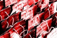 κόκκινες αγορές Χριστουγέννων τσαντών ανασκόπησης Στοκ Εικόνες