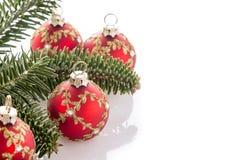 Κόκκινες διακοσμήσεις σφαιρών Χριστουγέννων Στοκ εικόνες με δικαίωμα ελεύθερης χρήσης