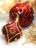 Κόκκινες διακοσμήσεις Χριστουγέννων στοκ φωτογραφία