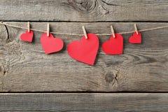 Κόκκινες καρδιές εγγράφου στοκ φωτογραφία με δικαίωμα ελεύθερης χρήσης