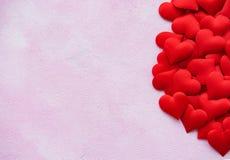 Κόκκινες καρδιές μεταξιού στοκ φωτογραφία