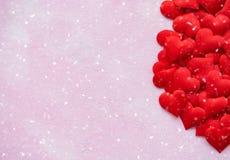 Κόκκινες καρδιές μεταξιού στοκ φωτογραφία με δικαίωμα ελεύθερης χρήσης