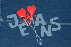 Κόκκινες καρδιές και επιστολές τζιν. Στοκ εικόνες με δικαίωμα ελεύθερης χρήσης