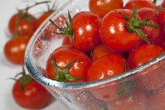 Κόκκινες ντομάτες κερασιών Στοκ εικόνες με δικαίωμα ελεύθερης χρήσης