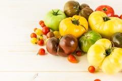 κόκκινες ντομάτες οικογενειακών κειμηλίων χρωμάτων κίτρινες Στοκ εικόνες με δικαίωμα ελεύθερης χρήσης