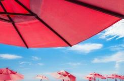 Κόκκινες ομπρέλες Στοκ Εικόνα