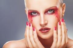 Κόκκινες σκιές ματιών στοκ εικόνα με δικαίωμα ελεύθερης χρήσης