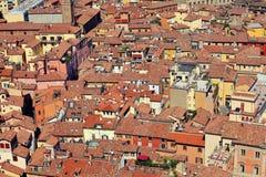 Κόκκινες στέγες στη Μπολόνια Ιταλία στοκ εικόνες