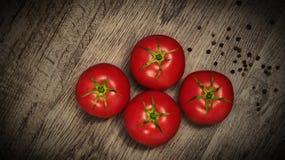 Κόκκινες, juicy ντομάτες Στοκ Εικόνα