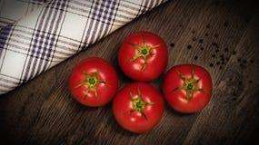 Κόκκινες, juicy ντομάτες Στοκ Εικόνες