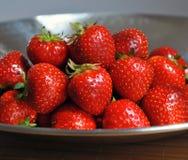 Κόκκινες juicy φράουλες Στοκ Εικόνα