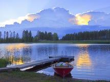 Κόκκινη βάρκα Στοκ Φωτογραφίες