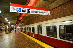 Κόκκινη γραμμή μετρό της Βοστώνης, Μασαχουσέτη, ΗΠΑ Στοκ φωτογραφίες με δικαίωμα ελεύθερης χρήσης