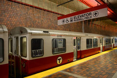 Κόκκινη γραμμή μετρό της Βοστώνης, Μασαχουσέτη, ΗΠΑ Στοκ εικόνες με δικαίωμα ελεύθερης χρήσης