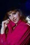 κόκκινη γυναίκα μαγισσών πουκάμισων καπέλων Στοκ εικόνα με δικαίωμα ελεύθερης χρήσης