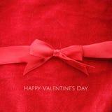 Κόκκινη ευχετήρια κάρτα ημέρας βαλεντίνων Στοκ Φωτογραφία
