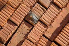 Κόκκινη διαγώνιος τούβλων σωρών Στοκ φωτογραφίες με δικαίωμα ελεύθερης χρήσης