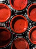 Κόκκινη κάλυψη των δοχείων Πρότυπο κύκλων Στοκ Εικόνες