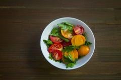 Κόκκινη κίτρινη σαλάτα ντοματών Στοκ Εικόνες