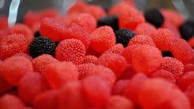 Κόκκινη και μαύρη μαρμελάδα σμέουρων στοκ φωτογραφία
