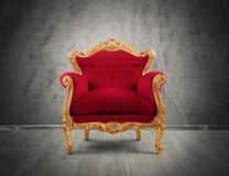 Κόκκινη και χρυσή πολυθρόνα πολυτέλειας Στοκ Εικόνα