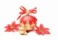 Κόκκινη και χρυσή φυσαλίδα σφαιρών Χριστουγέννων Στοκ Φωτογραφία