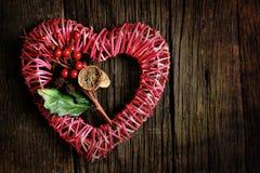 Κόκκινη καρδιά αχύρου Στοκ εικόνα με δικαίωμα ελεύθερης χρήσης