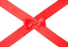 Κόκκινη κορδέλλα σατέν με το τόξο Στοκ Φωτογραφίες