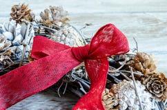 Κόκκινη κορδέλλα Χριστουγέννων Στοκ Φωτογραφίες