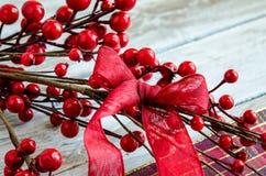 Κόκκινη κορδέλλα Χριστουγέννων Στοκ φωτογραφίες με δικαίωμα ελεύθερης χρήσης