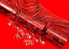 Κόκκινη κροτίδα Χριστουγέννων στοκ φωτογραφία με δικαίωμα ελεύθερης χρήσης