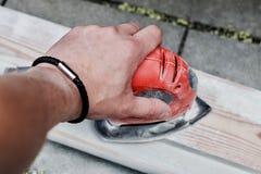 Κόκκινη μηχανή υπό εξέταση Στοκ φωτογραφίες με δικαίωμα ελεύθερης χρήσης