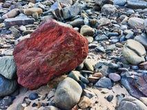 Κόκκινη πέτρα, ασυνήθιστη πέτρα στοκ εικόνες