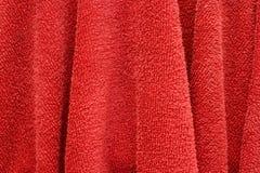 Κόκκινη πετσέτα χεριών στοκ εικόνες με δικαίωμα ελεύθερης χρήσης