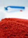 κόκκινη πετσέτα Στοκ φωτογραφίες με δικαίωμα ελεύθερης χρήσης