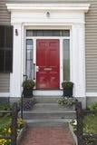 Κόκκινη πόρτα, σπίτι Στοκ Φωτογραφίες