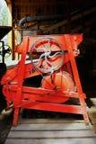 κόκκινη ρόδα μηχανημάτων Στοκ φωτογραφία με δικαίωμα ελεύθερης χρήσης