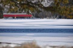 Κόκκινη σήραγγα σιδηροδρόμων Στοκ φωτογραφία με δικαίωμα ελεύθερης χρήσης