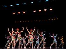 Κόκκινη σειρά καπέλων--Λαϊκός χορός Στοκ εικόνα με δικαίωμα ελεύθερης χρήσης